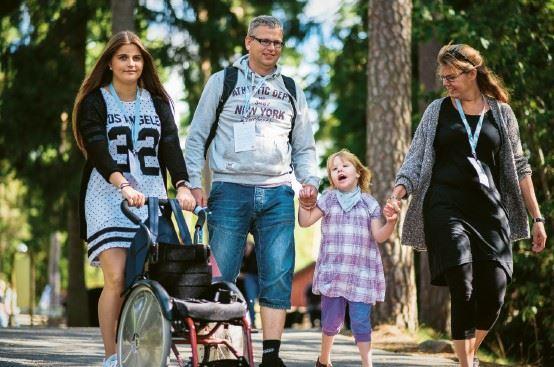 En familjs som deltar i Specialvarvet